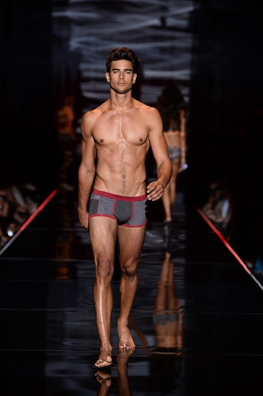 ec001aec452 Intimissimi Fashion Show Atumn/Winter Collection 2013-2014-Fashion ...