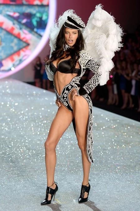 gq Victorias-Secret-2013-Runway-Show-09-Adriana