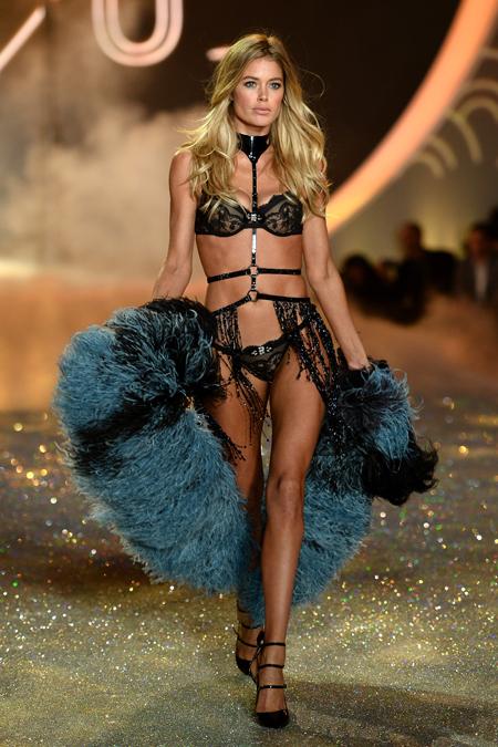 gq Victorias-Secret-2013-Runway-Show-46-Doutzen