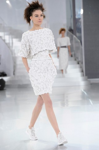 chanel-spring-summer-2014-haute-couture-looks-09