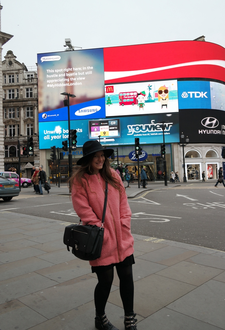 Picadilly Circus Outfit 1